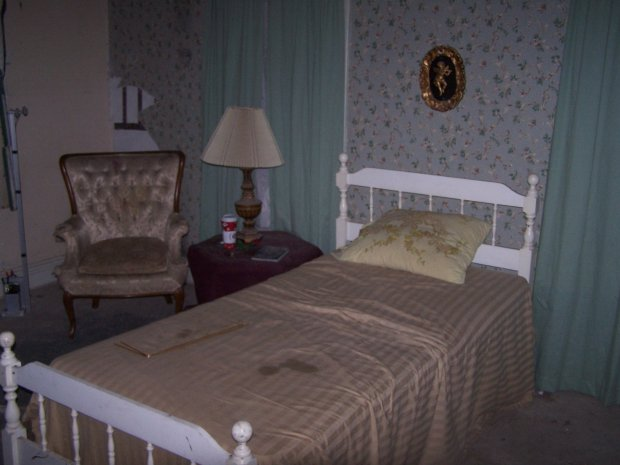 Mary's room at the second floor of Wolfe Manor